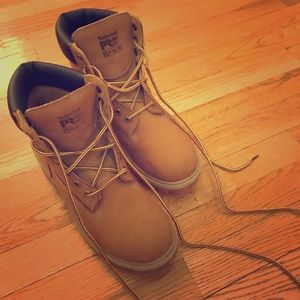 Timberland boots for women - size 9
